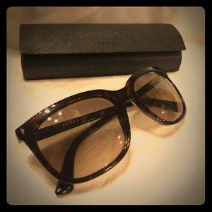 PRADA Sunglasses with case